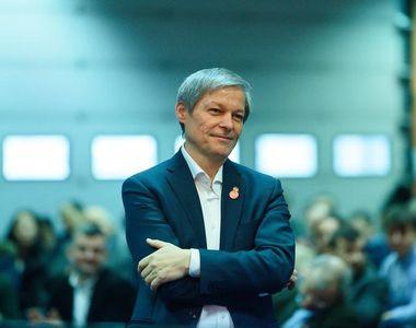 Dacian Cioloș a depus în Parlament lista miniștrilor USR și programul de guvernare....