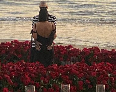 VIDEO | Travis Barker a cerut-o de soție pe Kourtney Kardashian într-un cadru extrem de...