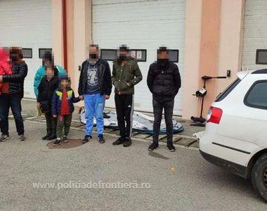 Două familii de migranți, oprite la frontieră după ce au traversat Dunărea cu o barcă...