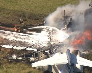 VIDEO | Un avion s-a păbușit în Texas. Cele 21 de persoane de la bord reuşesc să iasă...