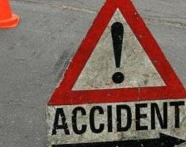 Un șofer începător și-a trimis prietenul în spital după ce mașina în care se aflau a...