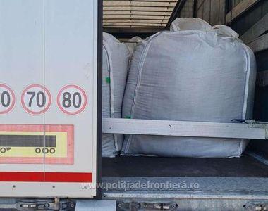 47 de tone de deșeuri au fost oprite la intrarea în țară. Șoferii nu au prezentat...