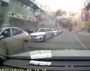 VIDEO | Un imobil cu 3 etaje a fost spulberat în urma unei explozii devastatoare ce a...