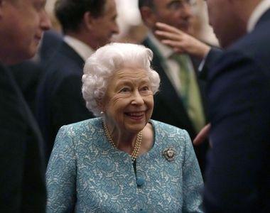"""Regina Elisabeta a II-a a fost internată în noaptea de miercuri spre joi: """"Este într-o..."""