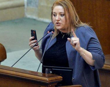 """Petiție online împotriva senatoarei Diana Șoșoacă: """"Trebuie oprită această nebunie"""""""