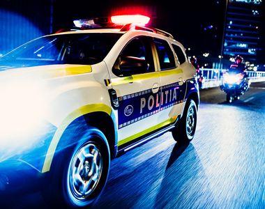 VIDEO - Scandal în centrul Timișoarei: Un bărbat băut a atacat doi polițiști locali