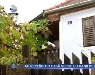 Au reclădit o casă veche cu banii de la nuntă