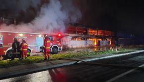 Incendiu la un Centru Comercial din Mureș. Flăcările, alimentate de butelii și materiale inflamabile