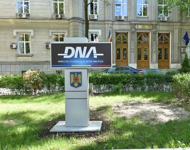 Funcționar în Ministerul Dezvoltării, reținut de DNA pentru luare de mită