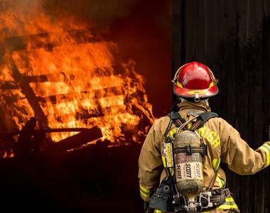 Au ars de vii în anexa gospodăriei. Doi bărbați și-au pierdut viața într-un mod cumplit