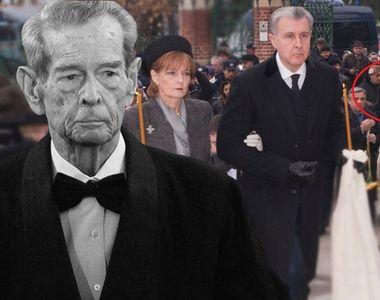 Imaginile care spun totul despre relaţiile din Familia Regală! Unde a stat fostul...