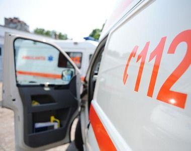 Un barbat din Vaslui a fost accidentat mortal de o masina dupa ce a coborat din...