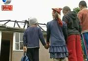 Focul le-a mistuit casa si au ramas pe drumuri! Povestea dramatica a opt suflete!