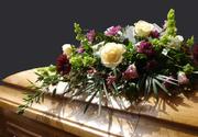 Firmele de pompe funebre, luate la puricat de Guvern. Executivul impune noi reguli la inmormantare pentru a combate evaziunea fiscala