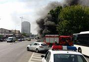 Masina in flacari pe Podul Fundeni! S-a facut scrum pana au ajuns pompierii