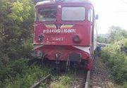 Accident feroviar intr-o localitate din Hunedoara. Locomotiva unui tren a deraiat dupa ce a lovit un camion