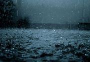 Suceava: O ploaie torentiala a inundat mai multe cladiri, inclusiv publice