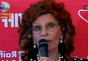 Sophia Loren uimeste cu frumusetea ei la cei 81 de ani. Diva a atras toate privirile la Cluj