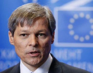 """Dacian Ciolos a votat la Zalau! """"Am votat pentru oamenii care pot sa faca din..."""