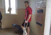 Un tanar din Arad a venit la vot in carje! Baiatul si-a rupt piciorul insa nu a putut sa stea acasa in ziua alegerilor