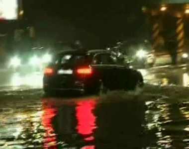 Ploaia torentiala a facut ravagii la Craiova! Orasul s-a inundat instant! Oamenii s-au...