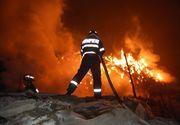 Incendiu devastator la marginea Craiovei! Au ars noua tone de deseuri!