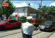 Tupeu fara margini pentru un sofer din Galati. A parcat pe liniile de tramvai si a placat. A urmat un adevarat haos