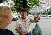 Povestea impresionanta de viata a cofetarului de 80 de ani cu tricicleta de la Piata Rahova! Vinde tei ca sa-si intretina aproape toata familia! Videoreportaj emotionant