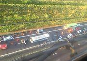 Accident in lant pe Autostrada Soarelui. Trei persoane au fost ranite in coliziunea in care a fost implicat un autocar si cinci masini