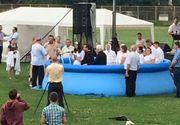 Un botez evanghelic a avut loc intr-o piscina montata pe stadionul din Lugoj!