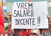 UPDATE Peste 30.000 de angajati din administratia publica locala sunt in greva. In Bucuresti, oamenii protesteaza in fata Primariei Generale
