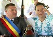 """Un primar dintr-o comuna din Hunedoara joaca intr-un videoclip: """"A fost obositor la filmari"""""""