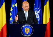 Cu ce-a plecat Traian Basescu acasa de la Palatul Cotroceni: un serviciu pentru bauturi, manusi de box, un tablou cu sirene si, 3 sticle de vin!