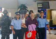 Guru Bivolaru, liderul MISA, a fost adus in tara din Franta! Are de executat o pedeapsa de 6 ani de inchisoare. Imagini de la aeroport