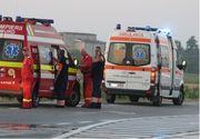 Accident grav la Mioveni. Doua persoane si-au pierdut viata si alte 10 persoane au fost ranite dupa ce o masina s-a izbit violent de un microbuz