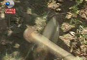 Seceta in Moldova. Se rupe sapa in doua de cat de uscat e pamantul. Taranii sunt disperati, toate culturile sunt compromise