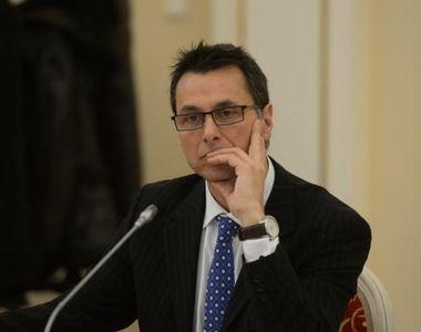 Fostul ministru Bogdan Stanoevici se intoarce la meseria de actor! La Guvern a incasat...