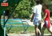 Trei tinere de 14 ani au fugit de acasa sa-si urmeze iubirea. In timp ce parintii incearca disperati sa le recupereze, autoritatile se incurca in balbaieli