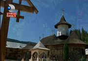 Un colt de rai. Mii de crestini vin la locul unde a vietuit parintele Iustin Parvu. Peisaje uimitoare si suflete calde va asteapta