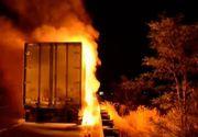 Panica pe Autostrada Bucuresti-Pitesti. Un TIR incarcat cu detergent a luat foc