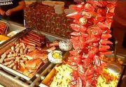 E raiul pofticiosilor la Targul Culinar organizat de Zilele Cetatii Fagaras. Ceaunele cu gulas, tochitura, micii si friptura, doar cateva din preparate