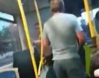 Un autobuz din Suceava s-a transformat in ring de box pentru doi calatori. Motivul e...