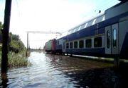 Traficul feroviar, dat peste cap de inundatii. Trenurile au intarzieri de pana la 6 ore in Gara de Nord