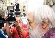 Gregorian Bivolaru a fost audiat la Politia Capitalei privind fuga sa din tara. La vederea camerelor de filmat, liderul MISA a avut o reactie cel puţin ciudată