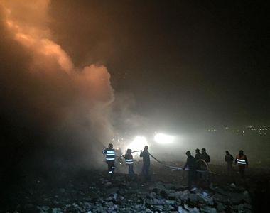 Incendiu de proportii la o groapa de gunoi din Cluj. Flacarile au depasit inaltimea de...