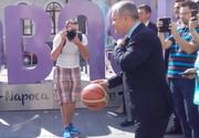 Emil Boc a jucat baschet la inaugurarea logo-ului Eurobasket 2017