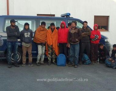 Migranti prinsi in timp ce incercau sa intre ilegal in Romania. Acestia, majoritatea...