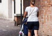 """S-a ajuns prea departe. Doua mamici care au iesit la plimbare in pantaloni scurti au fost batute de catre doi indivizi. """"Femei usoare ce sunteti"""""""