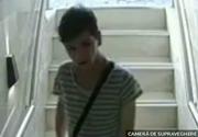 A furat doua portofele dintr-un salon de infrumusetare din Timisoara! Hotul s-a facut nevazut in cateva minute!