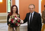 Sotia lui Emil Boc scrie poezii si e profesor universitar! Cati bani ia nevasta primarului Clujului de la Universitatea Babes Bolyai